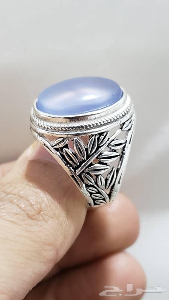 مواد على خاتم عقيق يمني سماوي